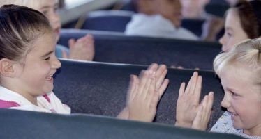 Conditii de transport cu autocarul Romania Anglia pentru minori