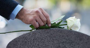 Obiceiuri si superstitii la inmormantare