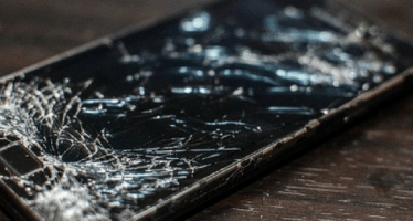 Display-ul, oglinda telefonului…Ce ne-am face daca s-ar sparge?