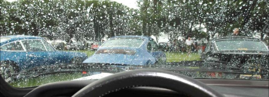 Ce greseli poti face atunci cand conduci pe timp de ploaie