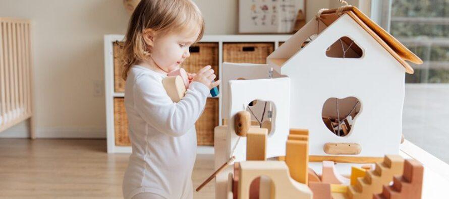 Jucării educative – Cum aleg părinții cele mai bune jucării pentru copilul lor