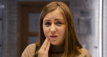 Cum poti trata eficient durerile de dinti?
